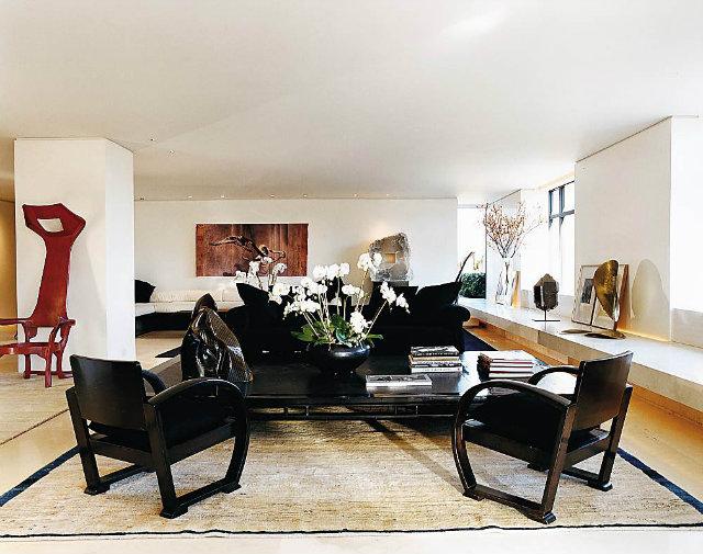 donna karan apartment new york,luxury living room design,high end new york apartments,fashion designers homes,artistic living room ideas,