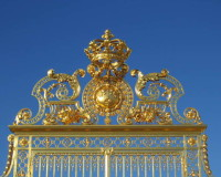 golden gates palace of versailles,famous parks in france,what to see in france in 5 days,landscape architecture design,royal palace gate image,