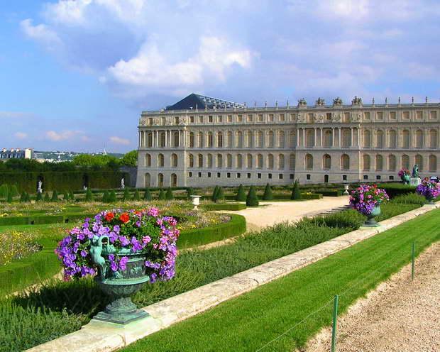 versailles park design,versailles palace photos,best parks in france,french landscape architecture,garden travel destinations,