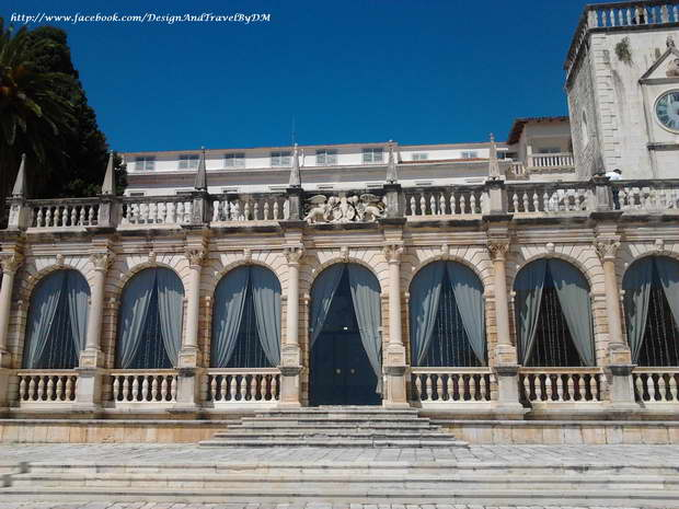 hvar loggia,palace hotel hvar,hvar main square,hvar architecture,hvar culture,things to do in hvar,hvar attractions,hvar view,adriatic sea,adriatic islands,seaview,adriatic coast,croatian coast,dalmatian coast,dalmatian riviera,hvar town,hvar island,adriatic travel,dalmatian travel,croatia,visit croatia,hvar travel,dalmatia,dalmatian islands,croatia attractions,croatian islands,croatia sightseeing,croatia sightseeing ideas,things to do in croatia,travel destinations,travel attractions,travel inspiration,travel ideas,family holidays,family holiday ideas,romantic travel,romantic vacations,