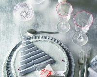 white Christmas holiday decor,Christmas table decoration ideas red and white,winter wonderland table decoration ideas,paper tree decorations to make,wine glasses with red design,