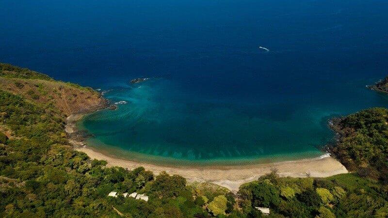 best resorts costa rica beach,exotic beach vacations,eco lodge hotel tent,resort design ideas,luxury romantic accommodation,
