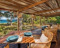 luxury hotel restaurant design,eco lodge restaurant,natural materials furniture,wooden dining table designs,blue tableware sets,