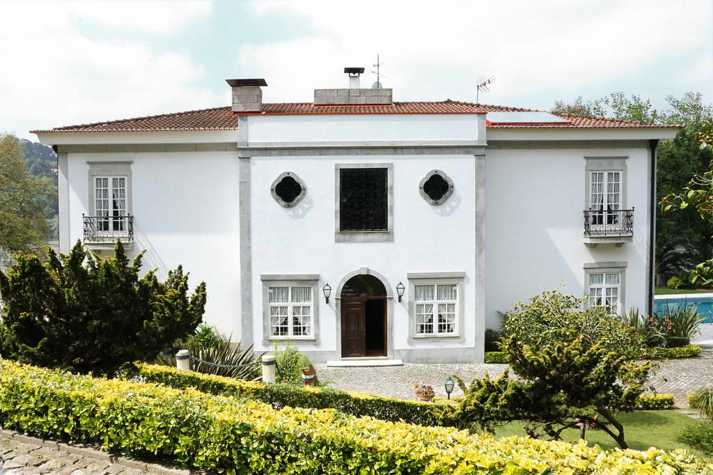 Covet-House_Porto_Portugal_Covet-Lounge_furniture-brand_interior-design_Archi-living_resize.jpg