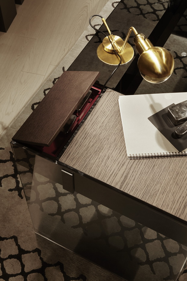 Air-desk-W-Detail-B_resize.jpg