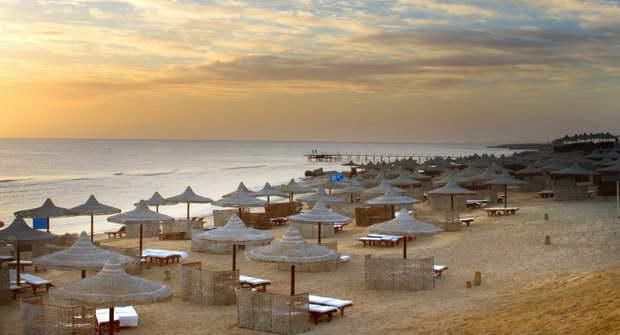 Akassia_Swiss_Resort_beach_resize.jpg