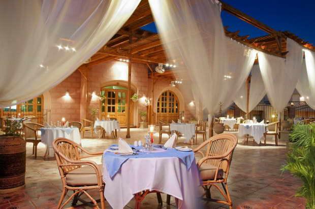 Akassia_Swiss_Resort_restaurant_resize.jpg