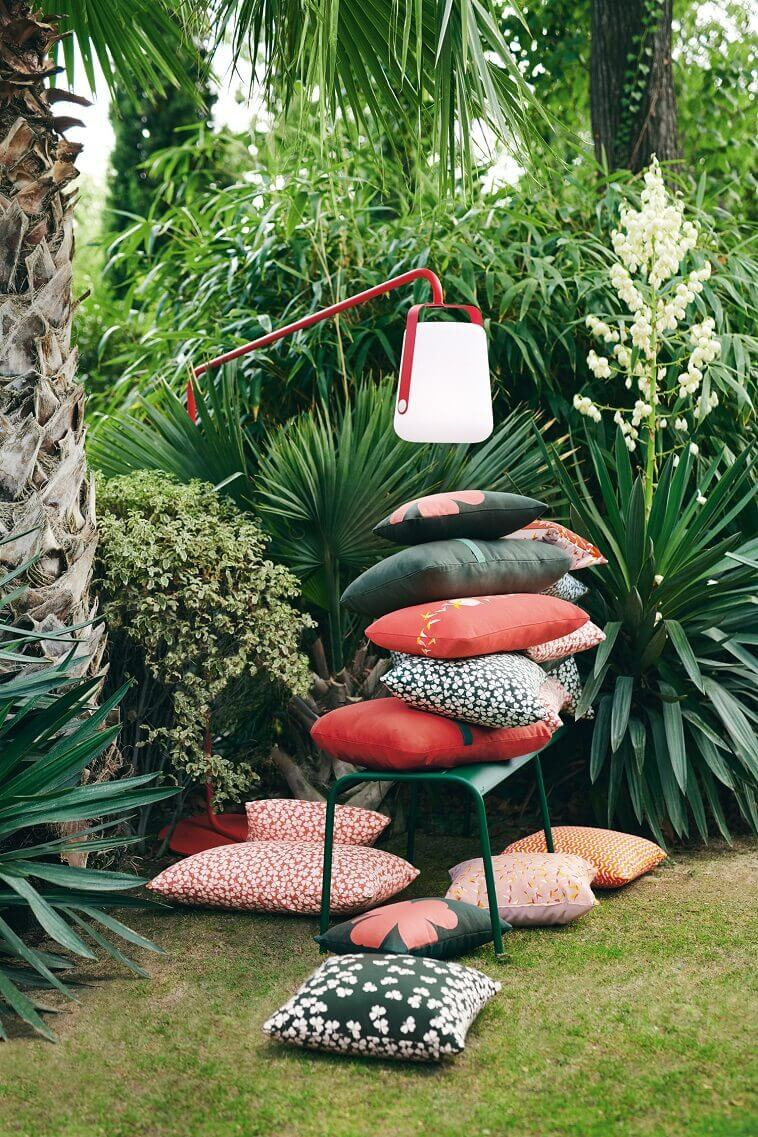 balad lamp by fermob,red and white garden lamp,colorful decorative outdoor cushions,french designer lighting,tristan lohner balad,