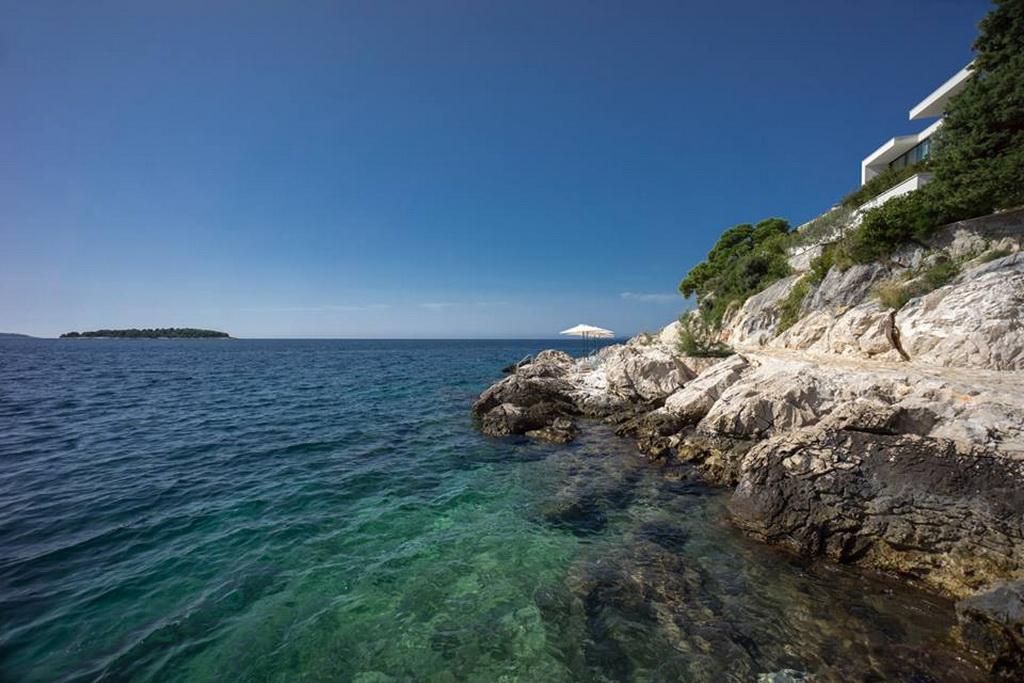 B_04goldenrays_luxury_villas_Primosten_Croatia_travel_beach_Adriatic_Sea_Archi-living_resize.jpg