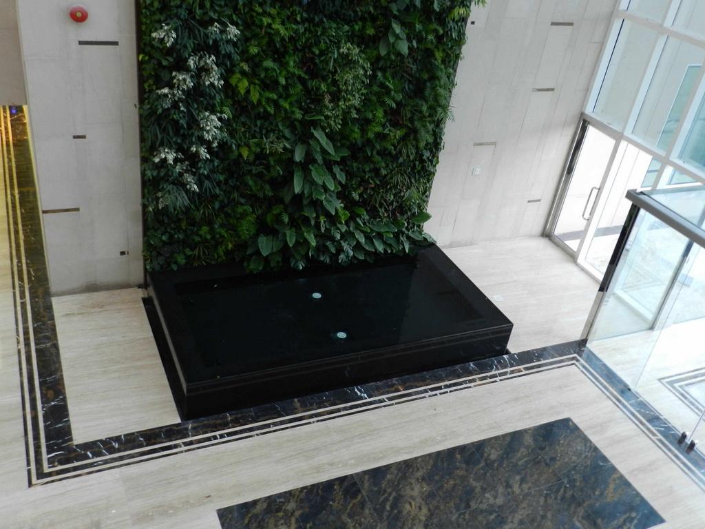 vertical garden in sharjah,vertical garden indoor,sundar italia giardini verticali,best golf club design,greenery in contemporary architecture,
