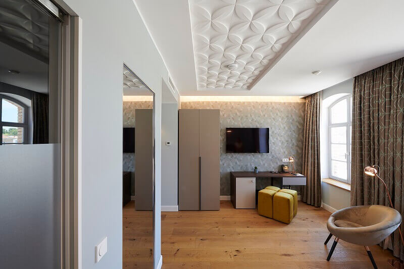 3d ceiling design for bedroom,small hotel room ideas,amelie hotel & appartements landau in der pfalz,boutique hotel bedroom design ideas,work desk in hotel room ideas,