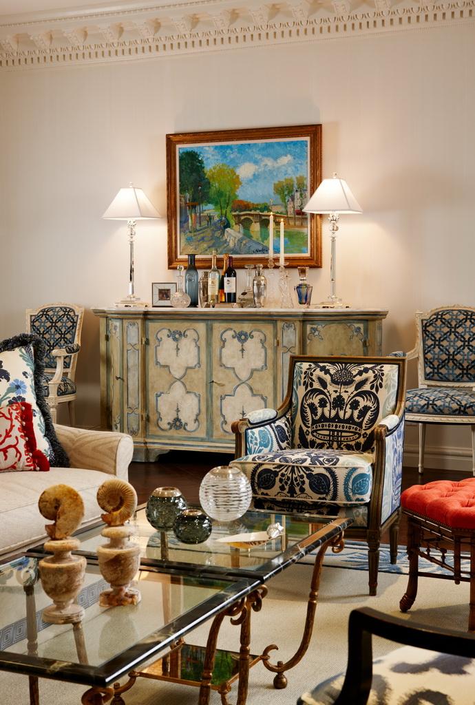 palm beach house interior design,blue white red luxury living room decor,luxury living room decor,classic style interior design,regency style houses,