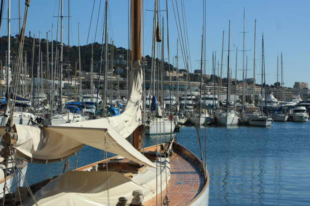 sailboat in harbor,living on a sailboat,cannes france images,best travel destinations in the world,visit cannes,