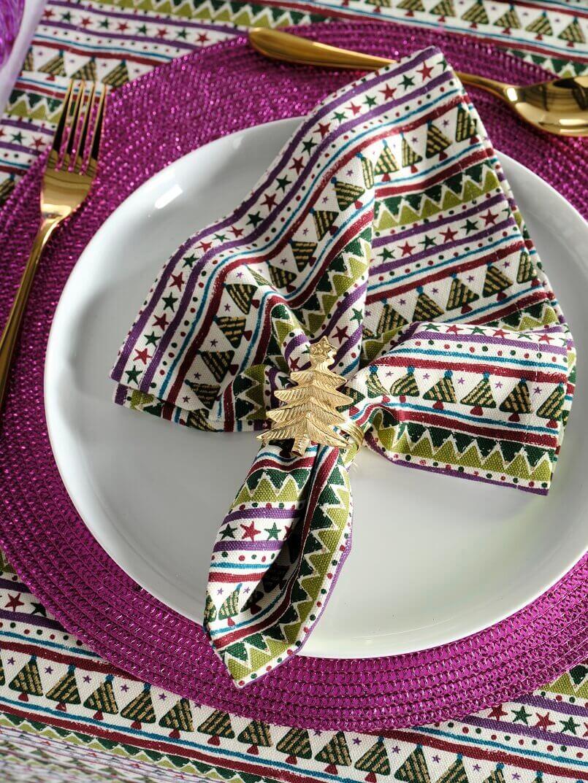 Christmas tree napkin rings,holiday tablecloths and napkins,Christmas napkin folding ideas,Christmas napkin ring holders,colorful modern table linens,