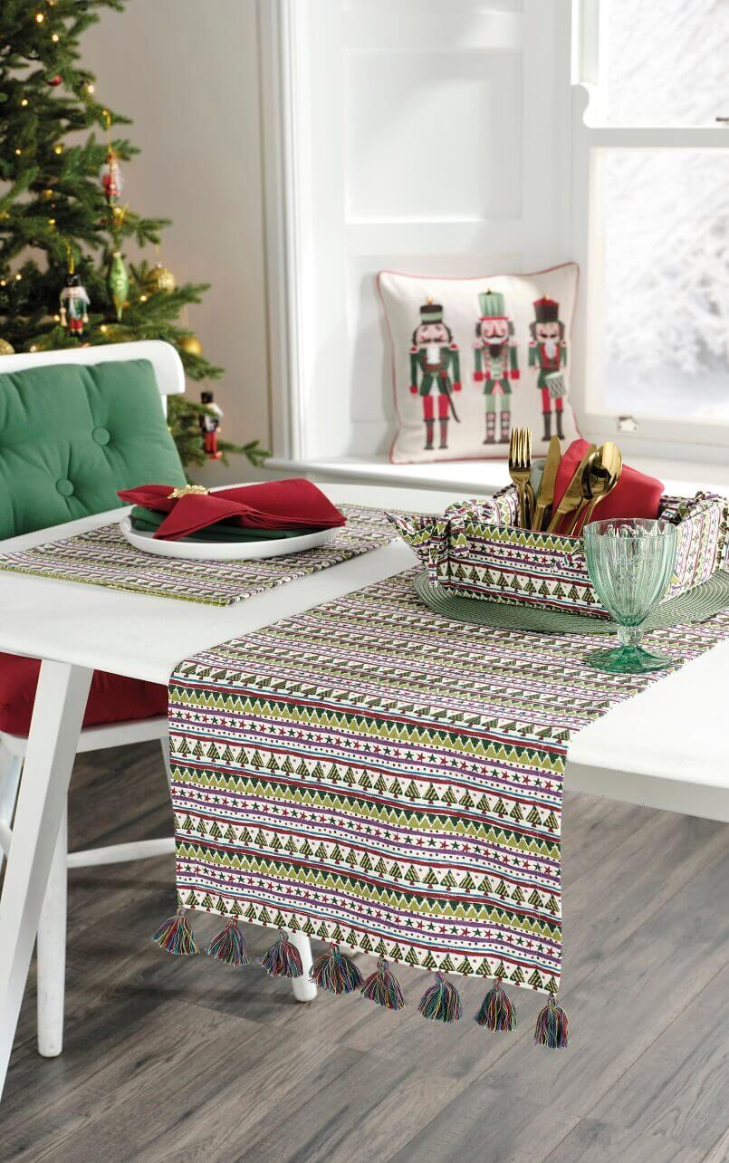 Christmas table runner ideas,holiday table runner patterns,festive table linen,Christmas striped pattern,colorful modern table linens,