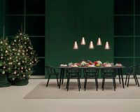 red white green festive table settings,design tips for dining room,green dining room ideas,Christmas tree in dining room,green color in holiday room,