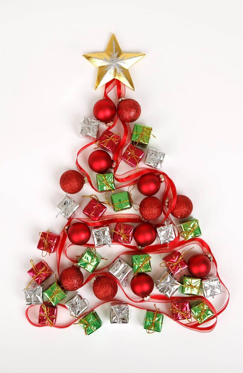 Christmas decoration ideas,creative ideas for Christmas decorations,Christmas living room ideas,Christmas bedroom decor,Christmas tree decorations ideas,Christmas tree ideas,white and red Christmas tree decorating ideas,red white gold Christmas tree,Christmas tree decorations,red and white themed Christmas tree,holiday decorating ideas,holiday decor inspiration,festive holiday decor,holiday decorations,decoration ideas,home decor ideas,interior decorating