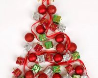 how designers decorate for Christmas,Christmas tree design on wall,festive wall décor,Christmas tree ideas for centrepieces,creative holiday centrepieces,