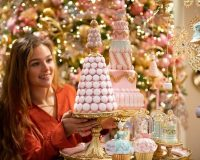 Christmasworld trends 2020,holiday retail window displays,color trends holiday decorating,how to decorate home for Christmas,how to choose Christmas decorations,