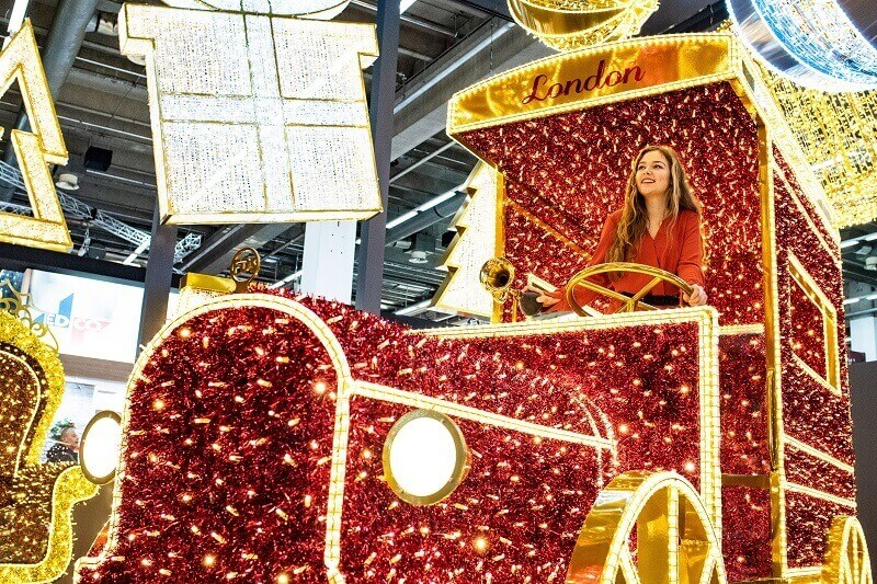 red car Christmas lights,red gold lighting shopping mall,outdoor Christmas lighting designs,shopping mall lighting design,lighted Christmas decorations indoor,