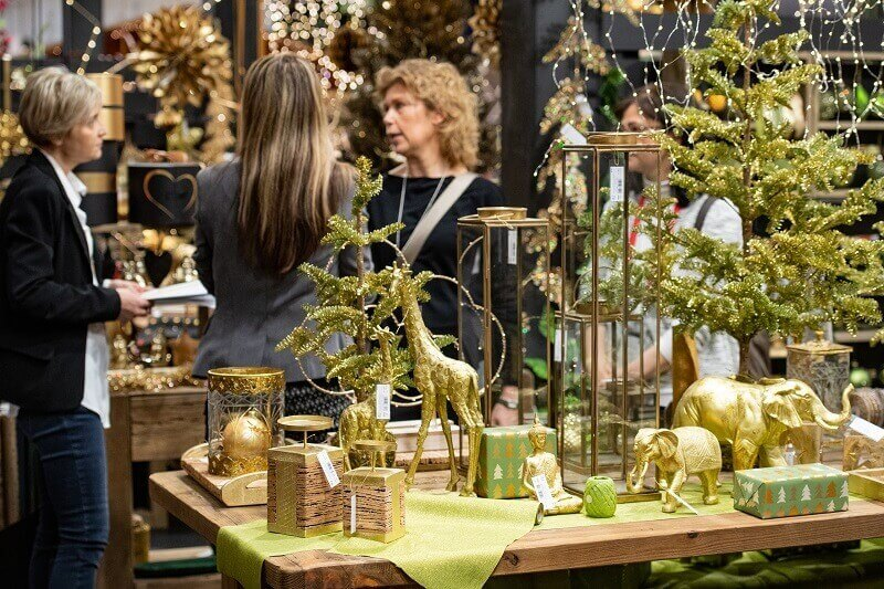 elephants holiday decorations,how to decorate store for Christmas,gold elephant decor,green and gold Christmas decorations,color trends holiday decor Christmas,
