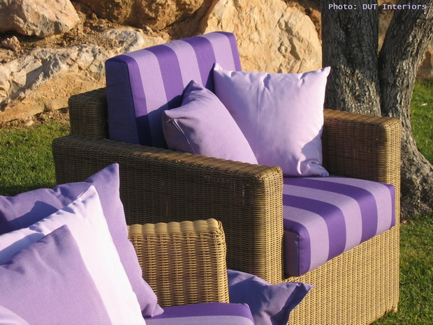 outdoor,outdoor furniture,outdoor sofa,purple decor,purple color,fabric,decorative fabric,decorative pillows,upholstery,upholstery design,upholstery fabric,upholstery fabric ideas,upholstery ideas,upholstered furniture,house decorating ideas,strong colors,vibrant colors,pastel colors,