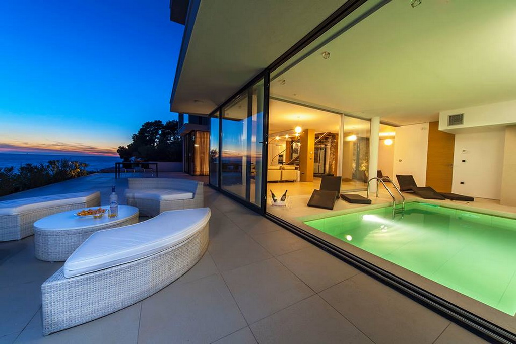 D_12goldenrays_luxury_villas_Primosten_Croatia_travel_sunset_Archi-living_resize.jpg