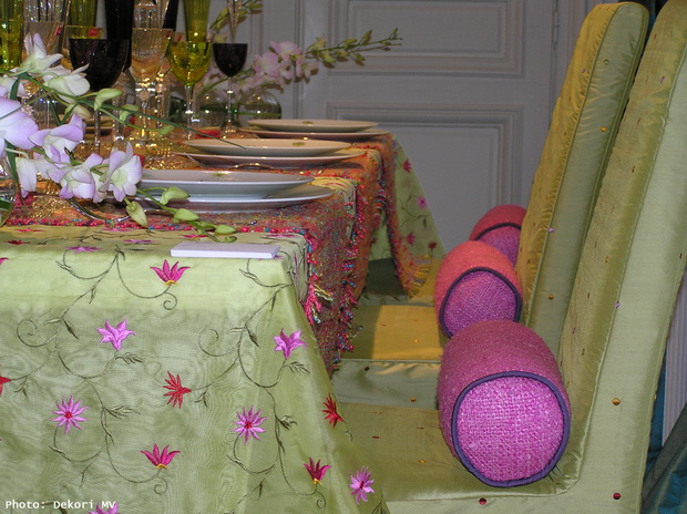 green tablecloth,green slipcovers,floral tablecloth,floral decor,spring flowers,flowers,blooming flowers,garden,garden flowers,Nature,holiday table,table arrangement ideas,table setting ideas,table decoration ideas,spring decor,spring decorations,seasonal decorations,tablecloths,tablecloth ideas,tableware design,tableware,napkin,holiday table ideas,holiday table decorations,holiday table design,dining room design,dining room furniture,luxury dining room design,luxury dining room,table design ideas,dining chairs,dining furniture,dining room,dining table,luxury dining tables,