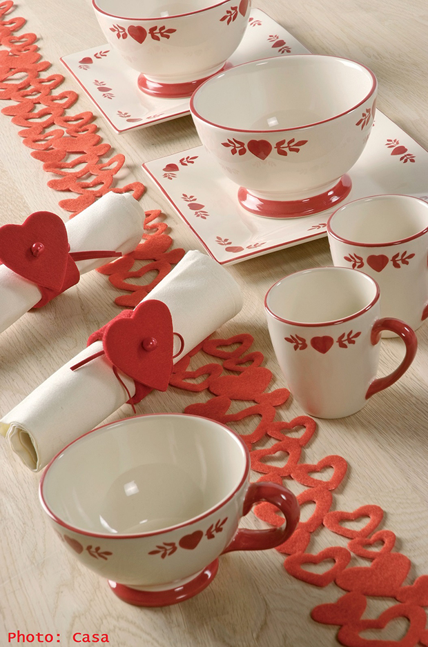 heart shaped table decorations,romantic table setting at home,heart napkin rings,table arrangements for breakfast,coffee cup and bowl,