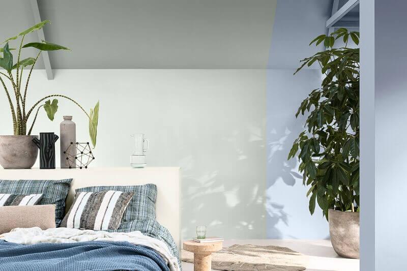 dulux boje spavace sobe,uredjenje spavace sobe ideje,blue bedroom decorating ideas,blue white and green bedroom,plants in bedroom decor,
