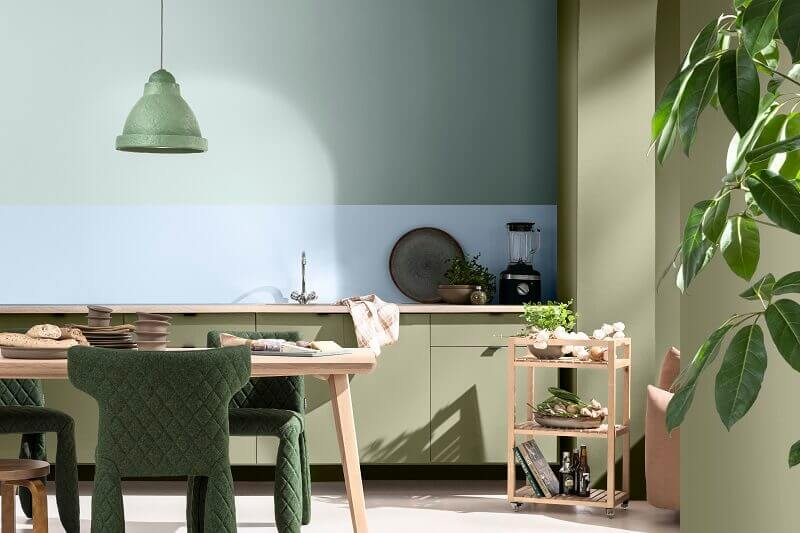 dining room with light blue walls,sky blue and wood dining room,dulux bright skies,dulux greenhouse palette,dulux colour of the year 2022,