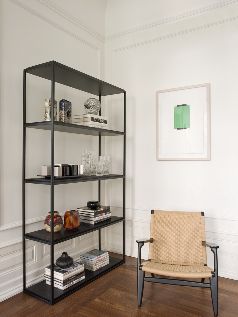 modern office showroom ideas,designer workplace furniture design,interior design studio,creative atelier design,metal office shelving,