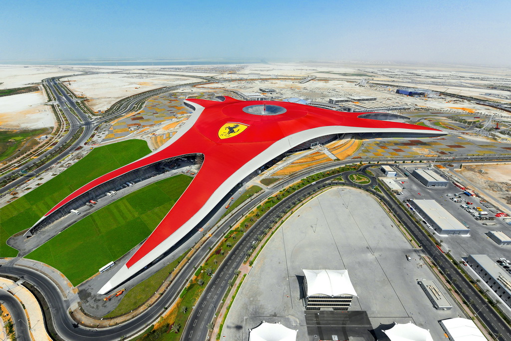 E_Ferrari-World_Yas-Island_UAE_travel-destination_Archi-living_resize.jpg