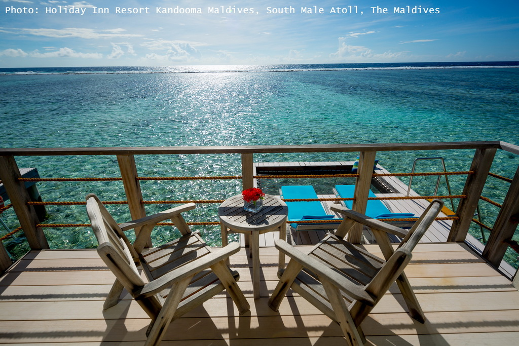 E_Holiday-Inn-Resort-Kandooma-Maldives_South-Male-Atoll_terrace-view_Archi-living_resize.jpg