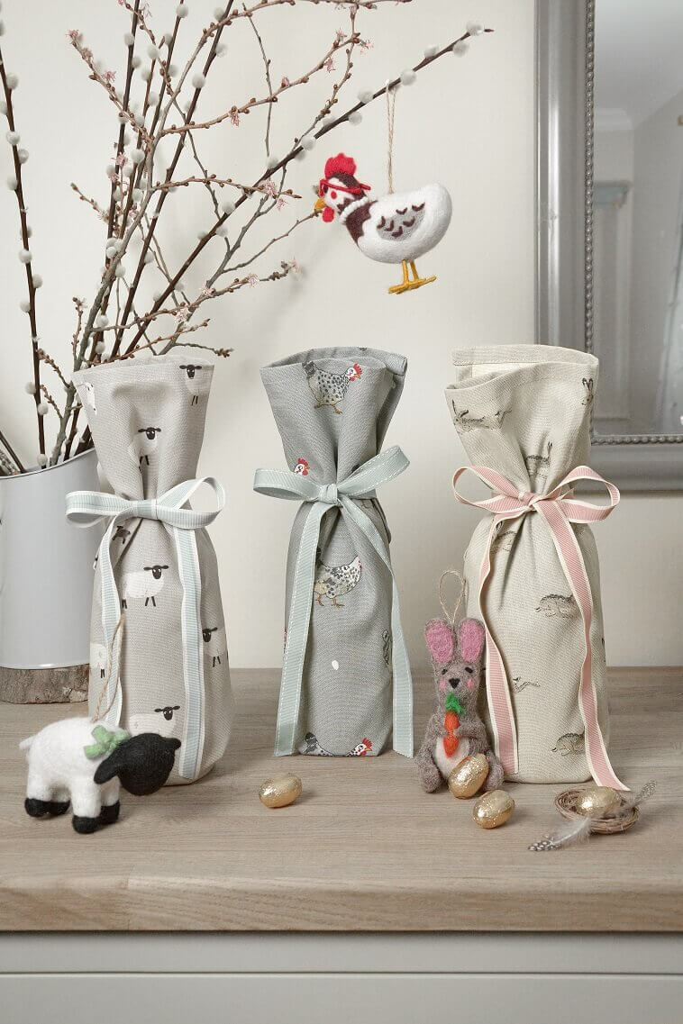 Easter gift bags ideas,Easter decorations ideas for the home,Easter decor for home,fabric bags for gifts,gift giving ideas for families,