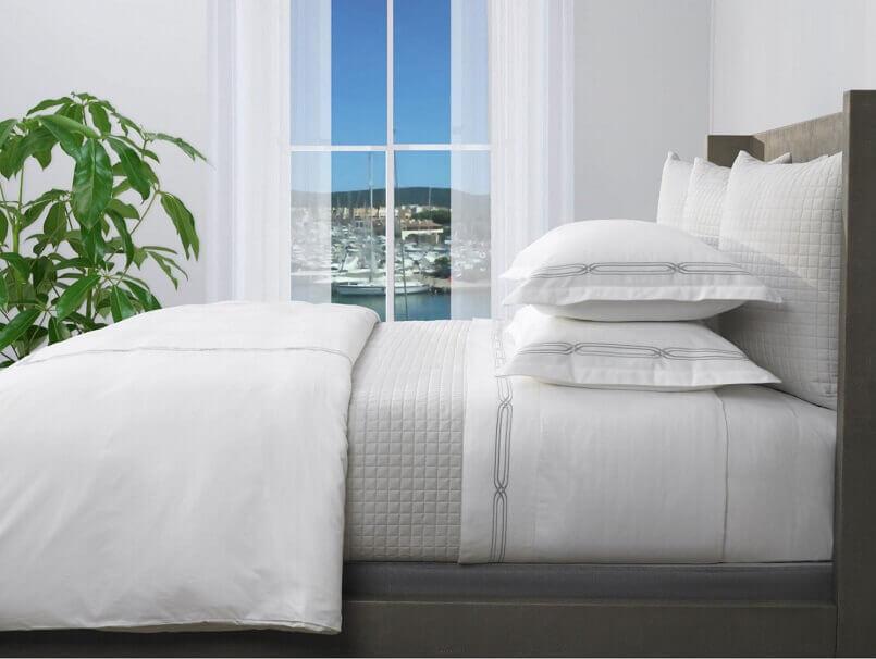 white designer bedding,interior decorating tips and tricks,bedroom interior design ideas,interior design tips and tricks,bedroom decorating ideas modern,