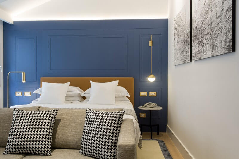 elizabeth unique hotel rome rooms,luxury hotel rooms in palazzo,blue walls bedroom decor,rome hotels in the city center,romantic weekend getaway,