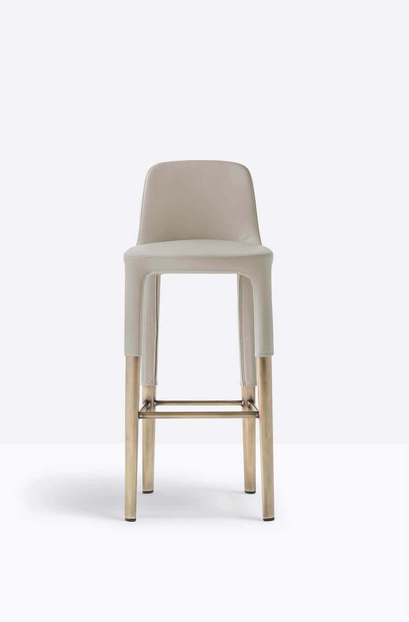 beige bar stools with backs,pedrali ester barstool,designer bar stool chair,designer breakfast bar chairs,pedrali barske stolice,