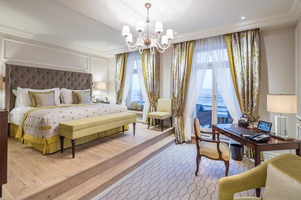 Fairmont-Hotel-Vier-Jahreszeiten-3-HR_resize.jpg