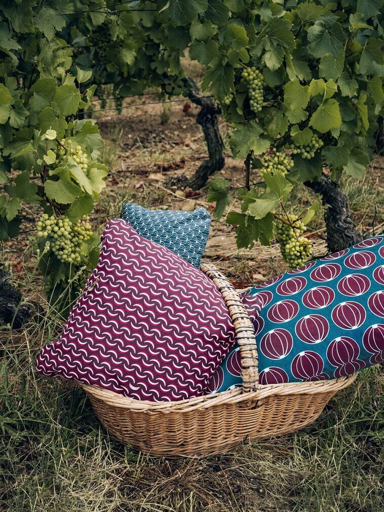 favorite color blue psychology,piknik u vinogradu,your favorite color and what it says about you,colorful outdoor seat cushions,favorite color purple character traits,