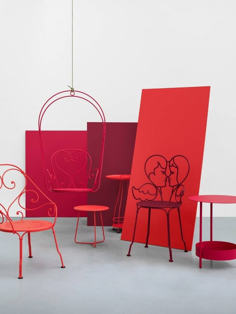 romantic red chairs,favorite color red psychology,what your favorite color reveals about your personality,color choice and personality traits,creative outdoor furniture ideas,