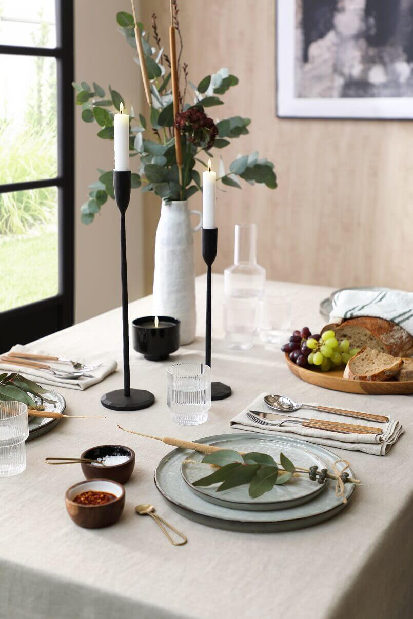 japandi dining table set,natural dining table setting decor ideas,japandi dining room decor,how to decorate japandi style,japanese and scandinavian design,