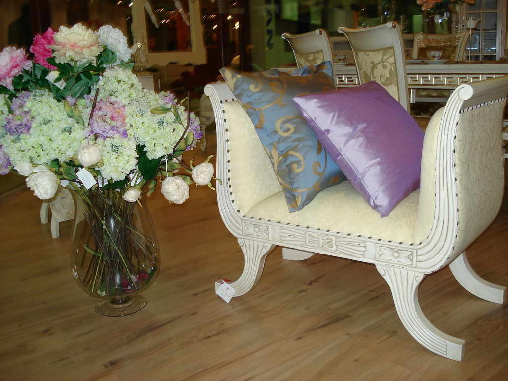The shabby elegance style adds a touch of romance to the for Tj garden rooms