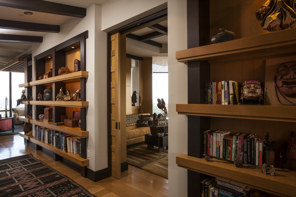 G_Taylors_design_penthouse_hallway_Florida_Archi-living_resize.jpg