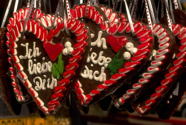 Gingerbread-hearts_Photographer_Marth-Gundhard_resize.jpg