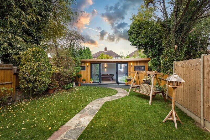 garden with swing ideas,garden room with billiards, simple garden house design,tiny house in the garden,urban garden ideas,
