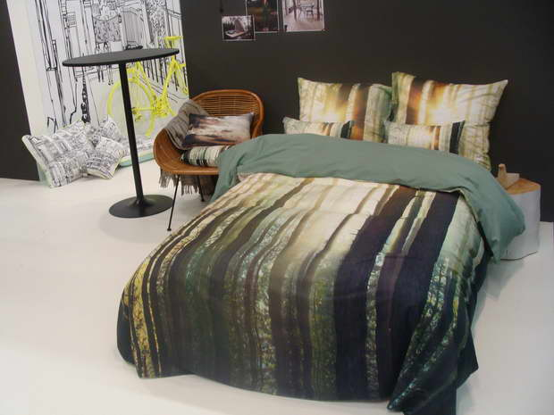 bedroom decor ideas,creative designer bedrooms,high end bedding sets,