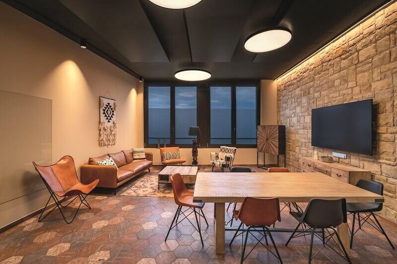 zumtobel lighting,lighting design tips for home,living room lighting ideas modern,how to light your living room,dining room light fixtures,