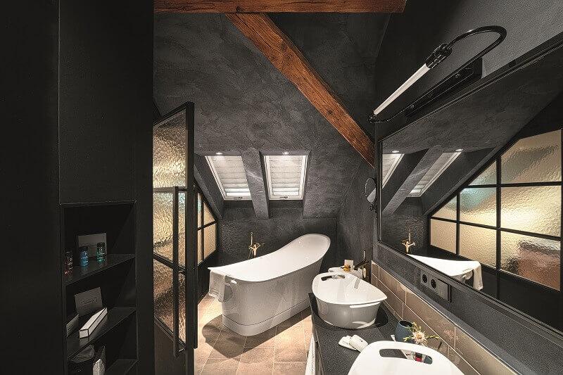 lighting ideas for bathroom,zumtobel lighting,bathroom lighting modern design,hotel bathroom design ideas,lighting design tips for home,