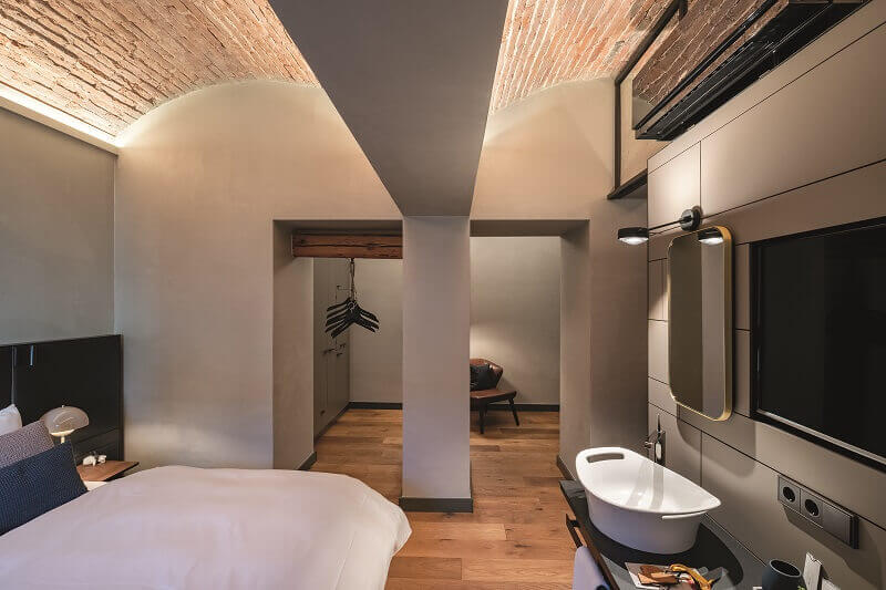 hotel room lighting ideas,bathroom lighting modern design,decorative ceiling lighting bricks,zumtobel lighting,bedroom lighting ideas modern,